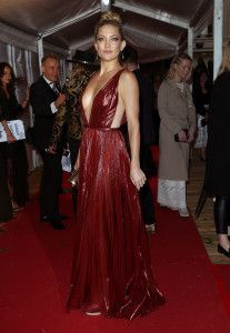 349eb9ea93c4 Fab Five  Must-See Looks From The Glamour Awards (The Zoe Report)