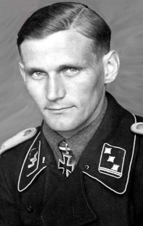 ✠ Karl Heinz Worthmann (18 January 1911 - 6 July 1943) RK 31.03 ...