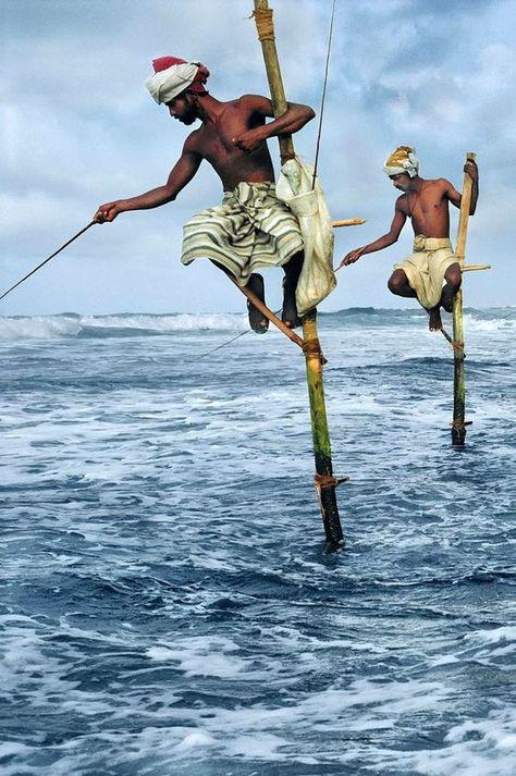 Weligama Fishermen, Sri Lanka 1995 photo by Steve McCurry Steve Mccurry, We Are The World, People Around The World, Wonders Of The World, Around The Worlds, Beautiful World, Beautiful People, Beautiful Places, Pakistan