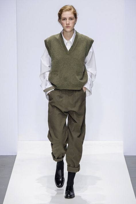 Margaret Howell Fall-Winter Ready-to-Wear - Fash .-Margaret Howell Herbst/Winter Ready-to-Wear – Fashion Shows