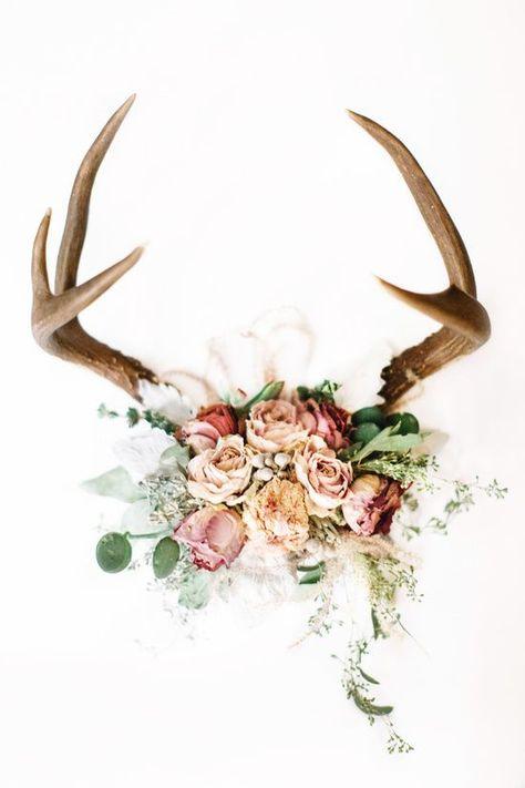 Floral Antlers V Art Print by Leslee Mitchell Cow Skull Decor, Deer Decor, Skull Art, Decorating With Deer Antlers, Deer Horns Decor, Antler Wall Decor, Deer Antler Crafts, Antler Art, Looks Country