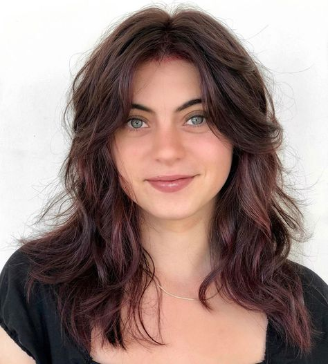 Long Shag for Round Faces for round faces 50 Hairstyles for Round Faces from Classic to Modern - Hair Adviser Hair For Round Face Shape, Long Face Shapes, Bangs For Round Face, Round Face Long Hair, Hair Shaped Around Face, Fringes For Round Faces, Round Face Fringe, Long Hair On Top, Long Face Hairstyles