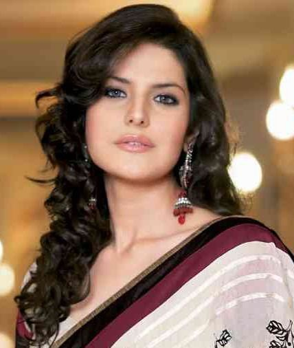 20 Cute Celebrities Inspired Hairstyles To Wear With Saree Long Hair Styles Hair Styles Indian Hairstyles