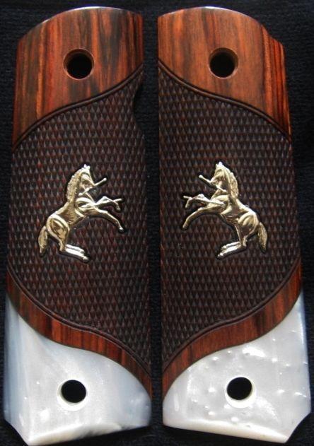 COLT 1911 ROSE WOOD Checkered Grip SILVER COLT Rampant PONY SIM