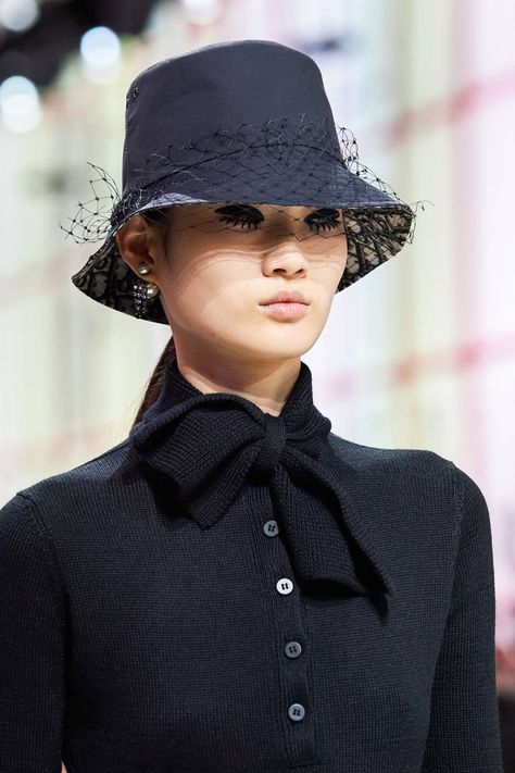 Christian Dior Fall 2019 Ready-to-Wear Fashion Show - Vogue