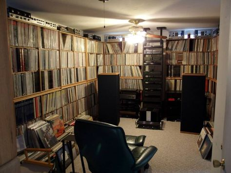 Was this room a garage once? Some classic Naim amps and Olive Series there too.