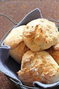 Joghurtbrötchen in nur 25 Minuten - das perfekte Sonntagsfrühstück