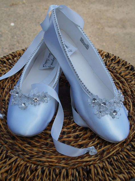 Size 8 Ballet Style Slipper White Satin hand sewn silver pearls edging, lace up style,silver and white, comfortable flats,Sale Ready to Ship Ballerina Slippers, Ballerina Shoes, Ballet Flats, Ballet Fashion, Fashion Shoes, Cles Antiques, Princesa Tutu, Quinceanera Shoes, White Wedding Shoes