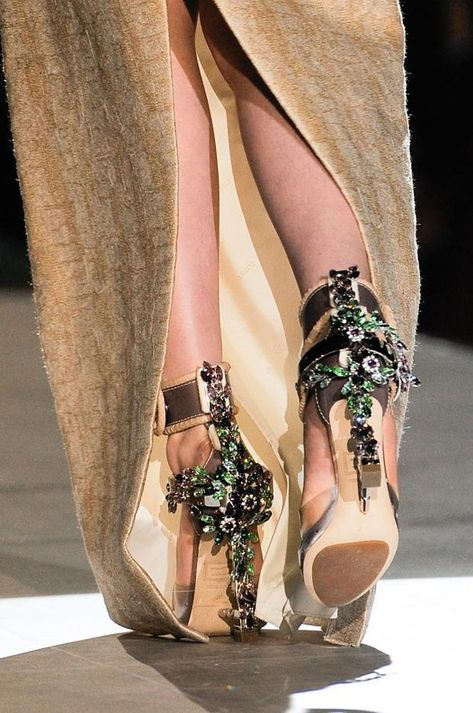Accessories, details on the runway DSquared2 Autumn Winter