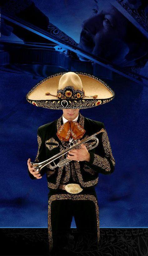 Interpretan sones del occidente de México y desde la década de 1930 incluyeron…