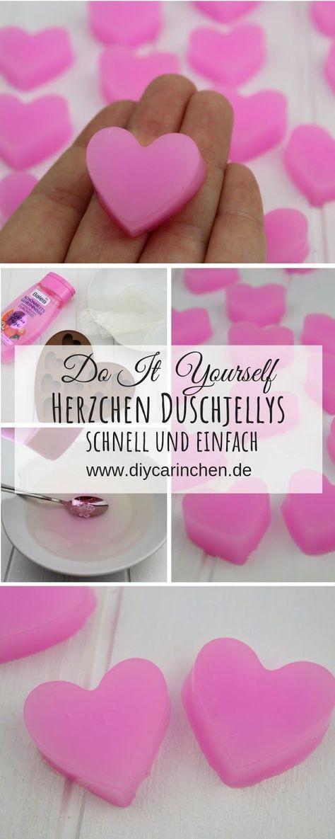 DIY: Einfaches Rezept um Duschjellys / Badejellys in Herzform selber zu machen - perfekt für den Muttertag : DIY, Basteln, Selbermachen, Geschenke, Geschenkidee, Kosmetik selber machen, Beauty, Muttertag, Valentinstag, Weihnachtsgeschenke Tutorial, Anleitung #DIY #Basteln #Selbermachen #Geschenke #Geschenkidee #Kosmetikselbermachen #Muttertag #Beauty #Valentinstag #Kosmetik #Tutorial #Anleitung