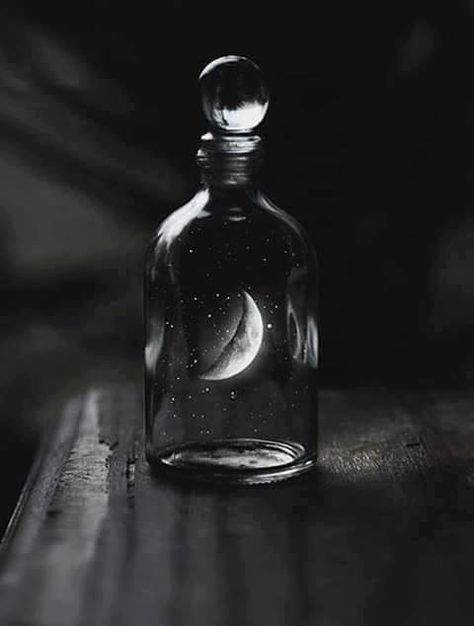 Pandora's Pear 2 dram oil * Passion, Lust, Enchanting, Drawing the curious* by HarvestMoonHaven on Etsy