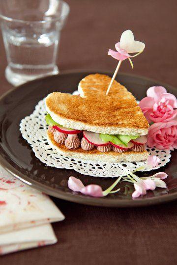 Un sandwich en forme de cœur