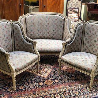 Arrivage Du Jour Salon Louis Xvi Fin Xixeme Antiques Antiquites Vintage Galery Deco Homedecoration Decoration Frenchart Vintagehom Furniture Decor Home Decor