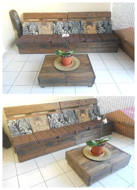Make an Outdoor Pallet Lounge #PalletCoffeeTable, #PalletLounge, #PalletSofa