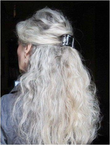 Long Grey Hairstyles For Women Over 60 Over60shairstyles Click For Info Hair Styles Silver White Hair Long Gray Hair