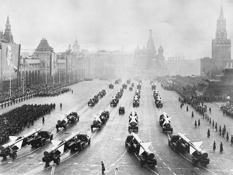 Military Parade In Red Square Photographic Print Allposters Com In 2021 War Cold War World Conflicts