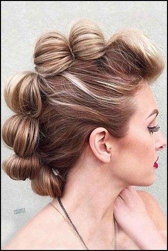 13 Coole Faux Hawk Inspirierte Frisuren Fur Frauen In 2020 Hochsteckfrisuren Kurze Haare Brautfrisur