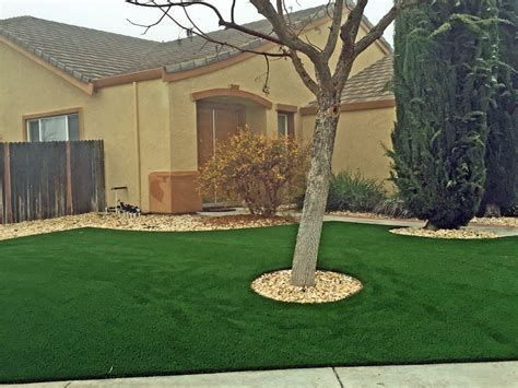 60 Best Artificial Grass Ideas You Should Put On Your Lawn Enjoy Your Time Best Artificial Grass Artificial Grass Installation Artificial Grass