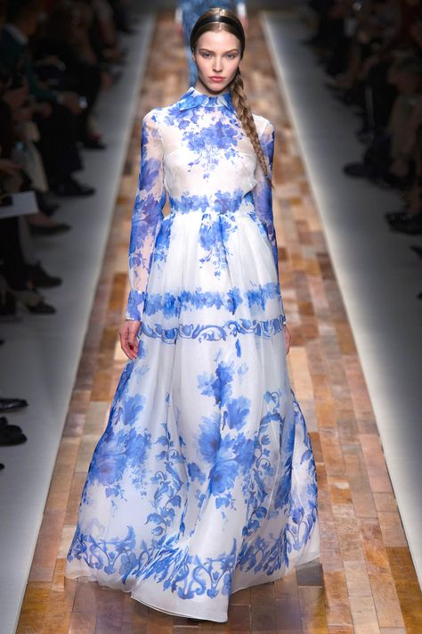 Valentino Fall 2013 RTW - Runway Photos - Fashion Week - Runway, Fashion Shows and Collections - Vogue