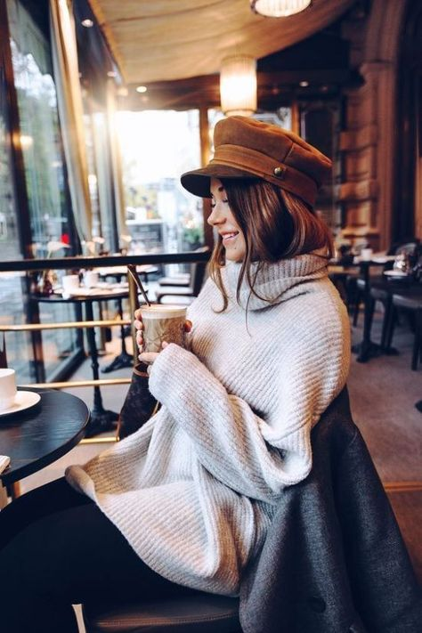 Stylish sweaters that will have you looking cute while keeping you cozy when Fall comes. These are our favorite sweater looks for you! Outfits With Hats, Mode Outfits, Fashion Outfits, Womens Fashion, Cozy Fashion, Fall Winter Outfits, Autumn Winter Fashion, Winter Hats, Joelle Fletcher