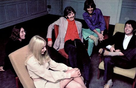 Circa May 1968. The Beatles giving Mary Hopkin a warm welcome to Apple Corps.