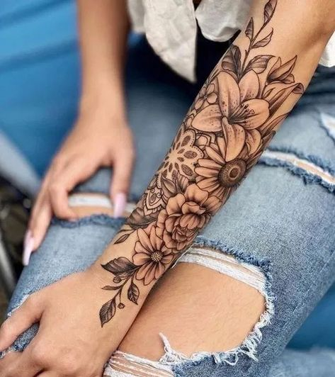 200 Pictures of Female Tattoos on Arm for Inspiration - Photos and Tattoos - Tattoo Ideen - # Inspiration - Tattoo Style