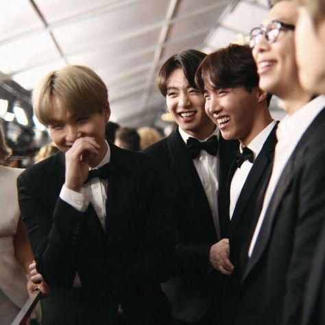 """hoseok archives on Twitter: """"my baby is so beautiful #TearItUpBTS… """""""