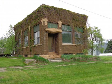 Take A Thrilling Road Trip To The 9 Most Abandoned Places In Minnesota Abandoned Places Road Trip Places Minnesota Travel