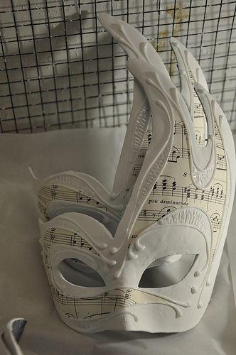 The art of Venetian mask making