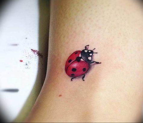 photo ladybug tattoo - idea for ladybug tattoo - tattoovalue. - Tattoos For Women Small Unique 3d Tattoos, Cute Tattoos, Body Art Tattoos, Small Tattoos, Sleeve Tattoos, Lady Bug Tattoo, Bee Tattoo, Ladybird Tattoo, Shoulder Armor Tattoo