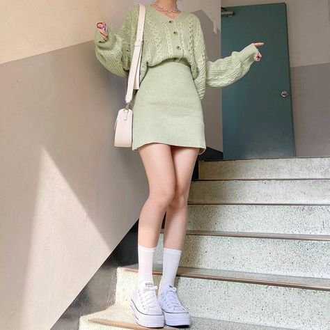 mint green color 💚o u t f i t💚