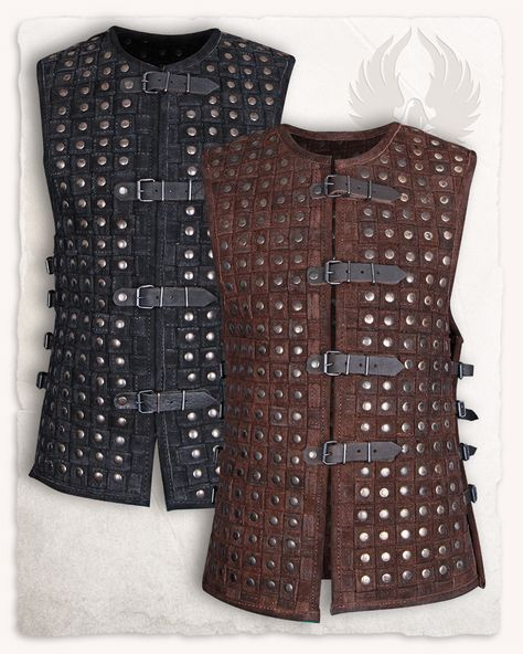 This pretty armour vest is a very special eyecatcher. It is made of hemmed and braided leather strips, that are riveted at each single crosspoint. Through this, its surface is getting very stabile and almost like a brigantine. It is very...