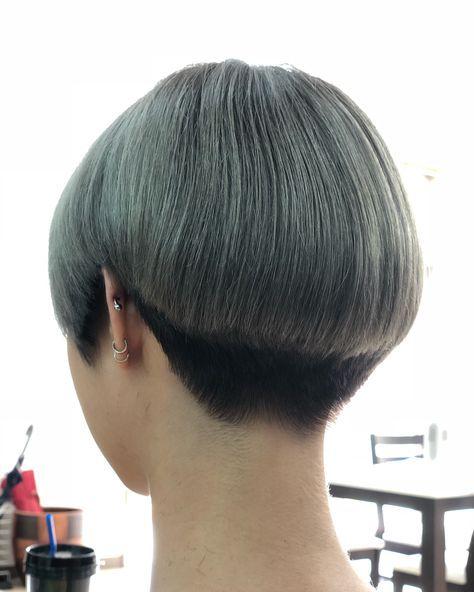 Asu Hanaさんはinstagramを利用しています Bobからのイメチェン 刈り上げ女子 いめちぇん べりーしょーと えりあし スッキリ 似合う髪型 オシャレ 女子 中 Short Hair Styles Asian Short Hair Short Wedge Hairstyles