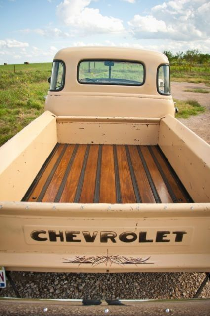 What a beautiful bed and nice old patina in this 1951 Chevy 3100 short bed truck. Take a look at the photo gallery of this cool old Chevy hotrod truck. Chevy Trucks Older, Lifted Chevy Trucks, Hot Rod Trucks, Chevy Pickups, 4x4 Trucks, Ford Trucks, Chevy Stepside, Diesel Trucks, Cars And Trucks