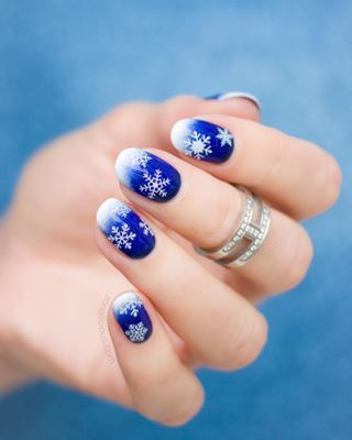 How To Avoid Bubbles In Nail Polish Expert Advice Sweater Nails Holiday Nails Christmas Nails Easy