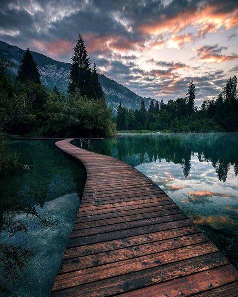 "🇩🇴 Cesar Rodriguez 🇩🇪 on Instagram: ""Crestasee, Suiza 🇨🇭 ==============. 🏅Photo by @aronsche ============== #mountains #switzerland #suiza #montaña #ig_europe #landschaft…"""