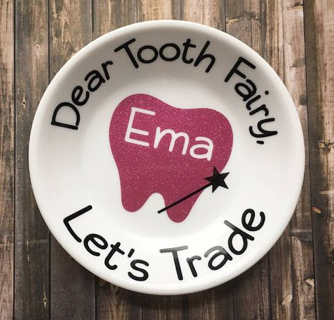 Personalized Tooth Fairy Dish Keepsake - Tooth Fairy Pillow Alternative - Tooth Fairy Gift - Tooth F Vinyl Crafts, Vinyl Projects, Diy And Crafts, Crafts For Kids, Grinch Christmas Decorations, Christmas Crafts, Christmas Vinyl, Christmas Plates, Loose Tooth