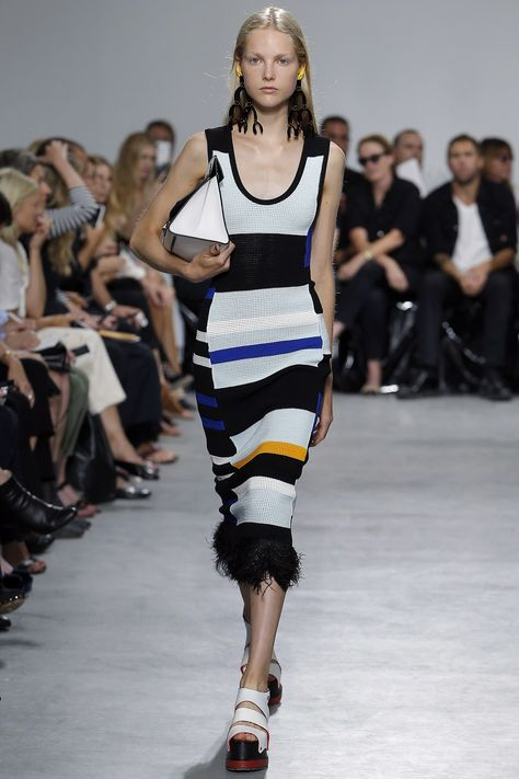 Proenza Schouler Spring 2017 Ready-to-Wear collection, runway looks, beauty, models, and reviews.