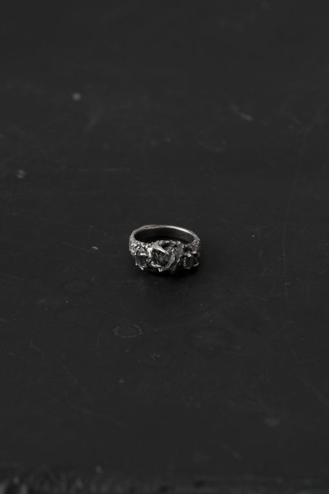 JEWELRY – Sisters Of The Black Moon
