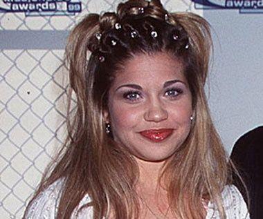 Hairstyles Of The 90s 90er Frisuren Haar Styling Scrunchie Frisuren
