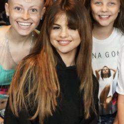 Selena gomez nago