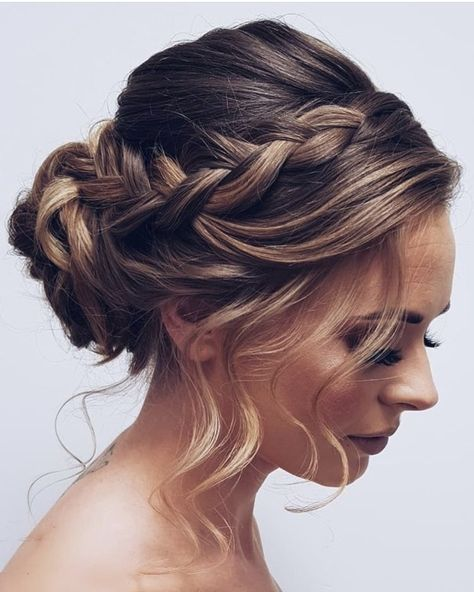 You are in the right place about bridesmaid hair updo fine Here we offer you the most beautiful pict Bridal Hair Updo, Wedding Hair And Makeup, Wedding Updo, Wedding Nails, Elegant Wedding, Braided Updo, Braided Hairstyles, Gorgeous Hairstyles, Hairstyle Ideas