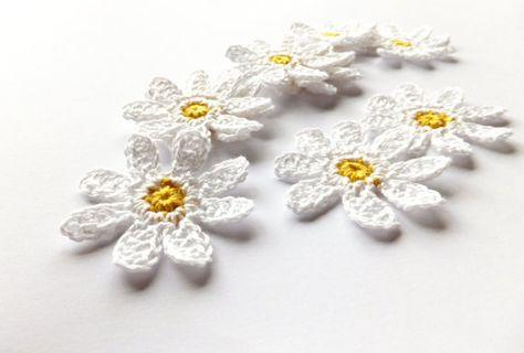 Crochet daisies white flowers applique flowers embellishments