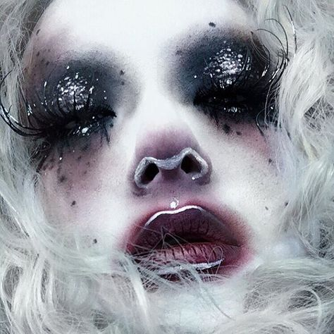 Minsooky - My list of the most creative makeup secrets Edgy Makeup, Drag Makeup, Sfx Makeup, Cosplay Makeup, Costume Makeup, Makeup Inspo, Makeup Art, Makeup Inspiration, Makeup Style