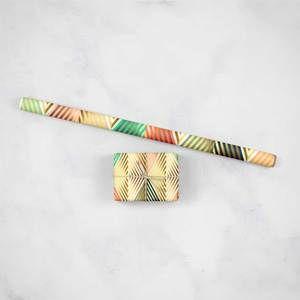 ورق تغليف هدايا الذهبي Instagram Posts Gold Wrapping Paper