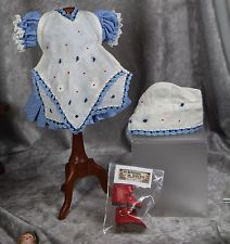 Bleuette Blue Print Dress w Hankie Apron (Tablier) Matching Hat and Red Shoes