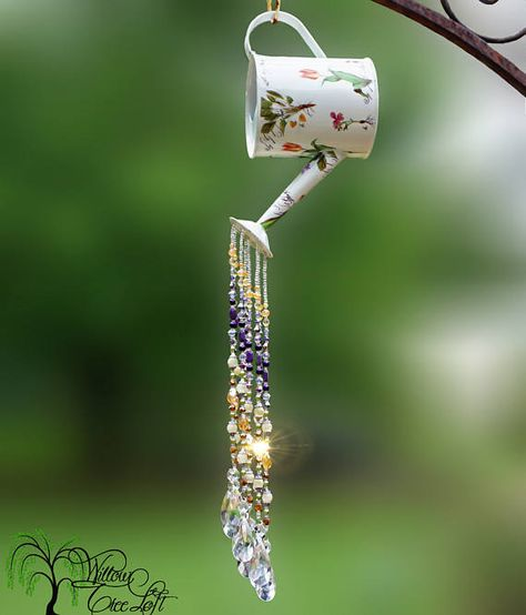 Wild Blooms watering can sun catcher with beautiful shades of purple and amber c. Carillons Diy, Rustic Watering Cans, Diy Fleur, Diy Wind Chimes, Glass Garden Art, Garden Crafts, Cd Crafts, Sun Catcher, Shades Of Purple