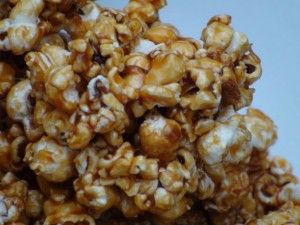 Old-fashioned Popcorn Balls : Unplanned Cooking -- popcorn balls with no corn syrup!