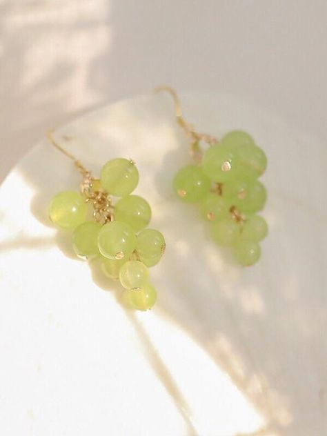 Grape Earrings, Funky Earrings, Diy Earrings, Full Ear Earrings, Unique Earrings, Pearl Earrings, Weird Jewelry, Cute Jewelry, Beaded Jewelry